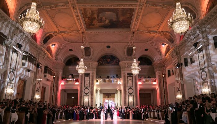 Property industry figures are not the only people to take the floor each year in the state rooms of the former imperial winter residence. The Hofburg is the setting for many of the grandest and most important balls in Austria, welcoming guests with elegance and style. Dance enthusiasts, barflies and men-about-town can all find the perfect place to indulge in their favourite pastimes in the venue's many different rooms.